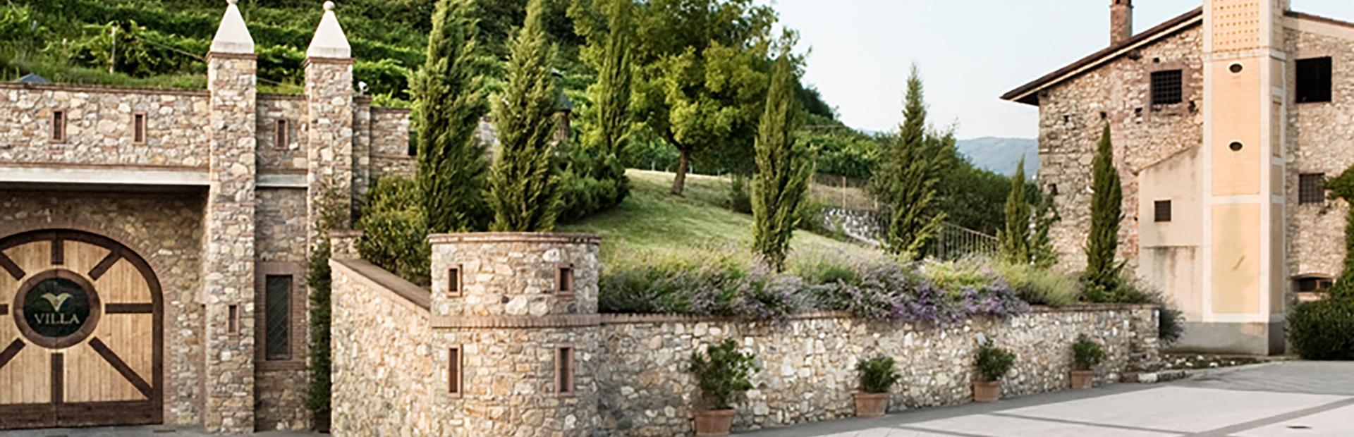 piazzale Villa1